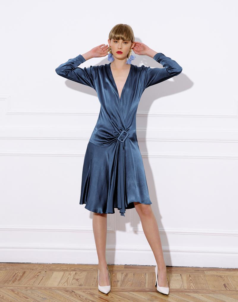 vestido midi viscosa, hebilla forrada, falda evasé, mangas murciélago, vestido laura