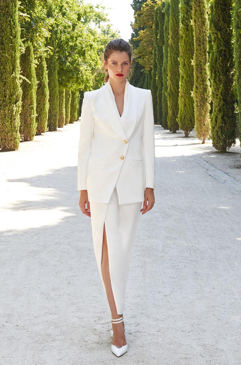 Traje Bianca Lola Li en Blanco. Confeccionado y diseñado en España